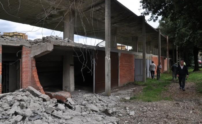 Abbattimento tribune via Olimpia Incisa_8